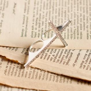 pierścionek: krzyż