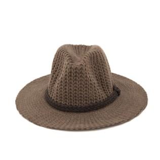Włóczkowy kapelusz